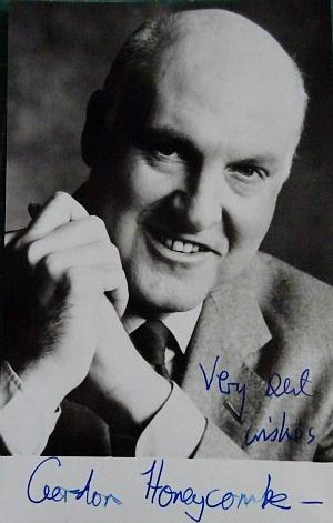 Gordon Honeycombe hand-signed photo