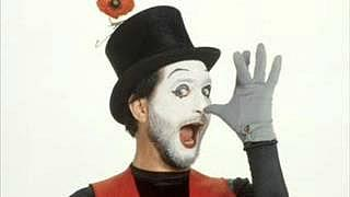 Kenny Everett as Morris Mimer