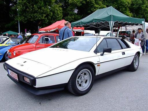 White Lotus Esprit S1 angled view - public domain image