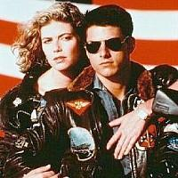 Tom Cruise wearing aviator shades in Top Gun