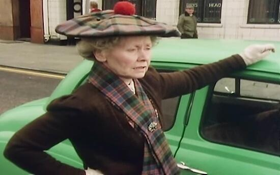 Super Gran sorts out a traffic jam