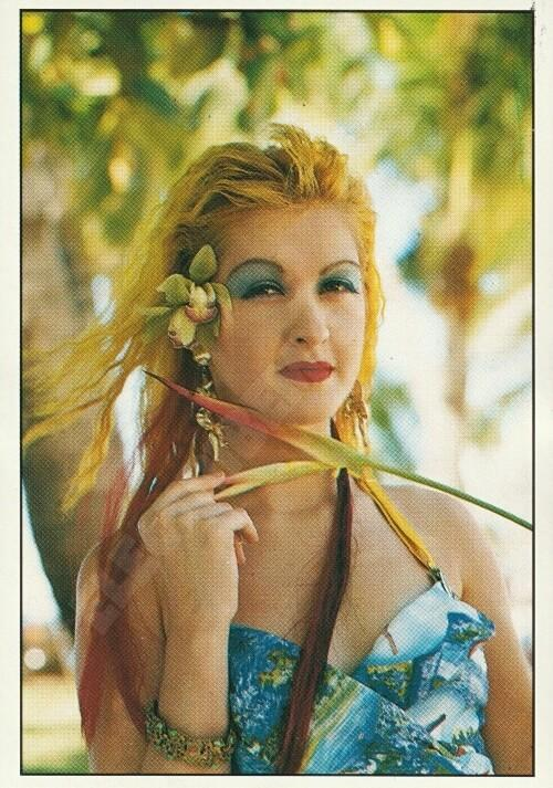 Cyndi Lauper Panini Smash Hit Sticker No.99 (1987)
