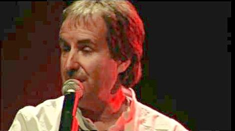 Chris De Burgh singing The Lady in Red