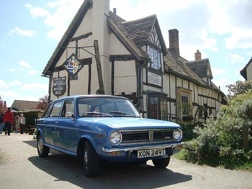 Austin Maxi 1750HL Astral Blue at The Fleece Inn, Bretforton, Evesham, Worcestershire, UK