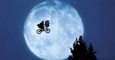 ET bike over moon screenshot