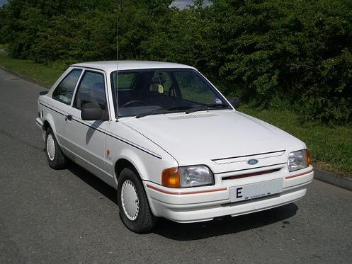 1987 Ford Escort Finesse (public domain image)