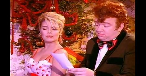 Mel and Kim Rockin' Around The Christmas tree video screenshot