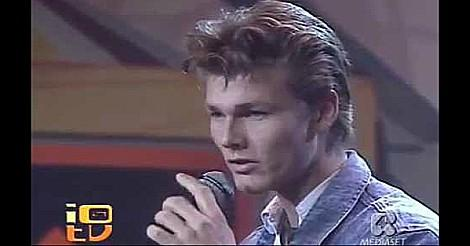 Morten Harket singing Cry Wolf in the 80s
