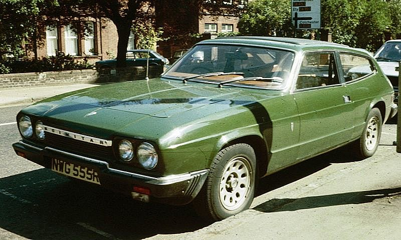 Green Reliant Scimitar photographed in 1976