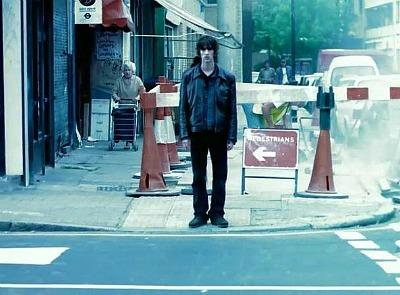 Classic 90s Video - The Verve's Richard Ashcroft in the streets of London -